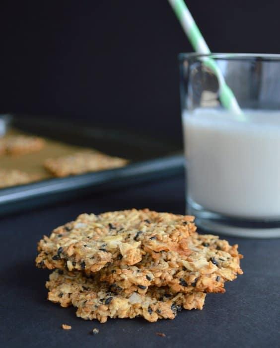 Oats & Flax Crisps | healthynibblesandbits.com