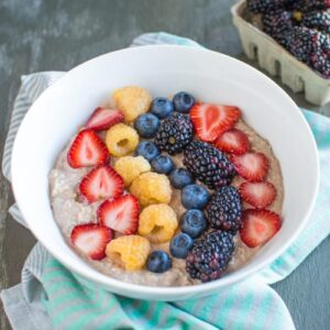 Chocolate Overnight Oats with Berries
