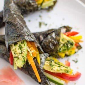 Easy Vegetable Hand Rolls that are a guaranteed crowd pleaser! #vegan #glutenfree | healthynibblesandbits.com