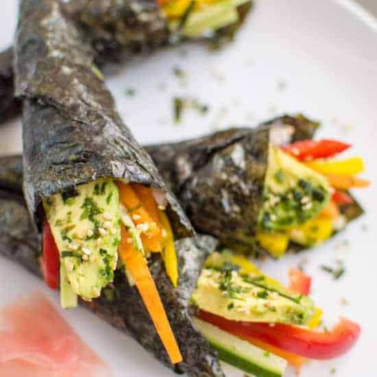 Easy Vegetable Hand Rolls that are a guaranteed crowd pleaser! #vegan | healthynibblesandbits.com