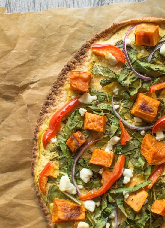Vegetarian Tandoori Naan Pizza | healthynibblesandbits.com #healthy