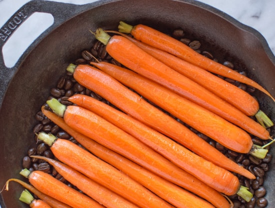 Coffee and Maple Roasted Carrots | healthynibblesandbits.com