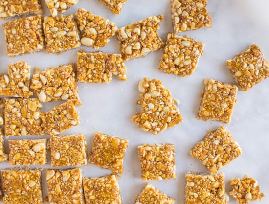This peanut sesame ginger brittle is light, crunchy, and packs a little spicy kick - Peanut Sesame Ginger Brittle | healthynibblesandbits.com