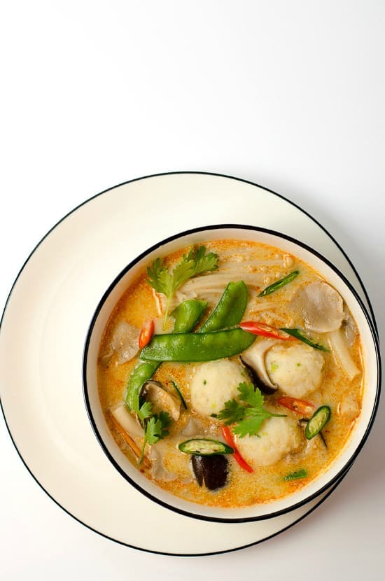 Thai-Coconut-Soup-with-Fish-Ball-5