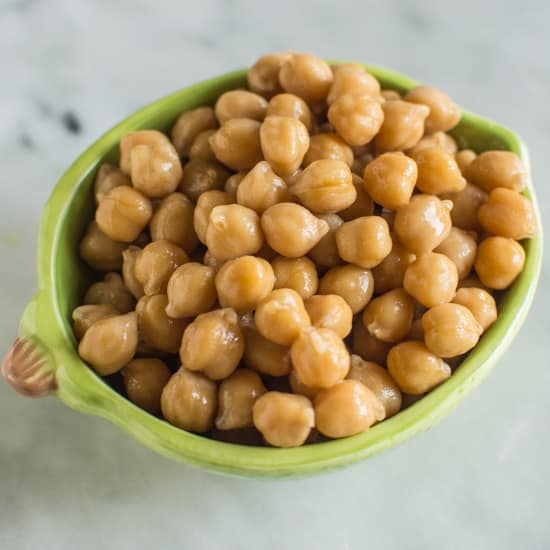 How to Make Slow Cooker Chickpeas | healthynibblesandbits.com @healthynibs