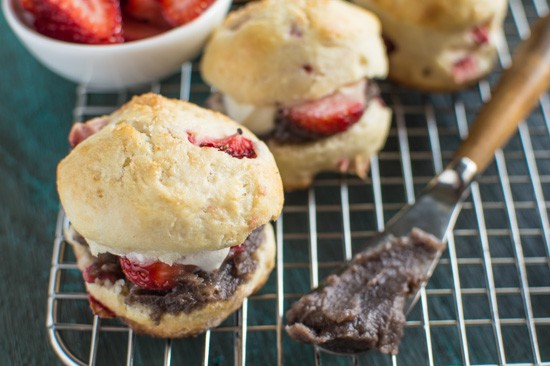 Mini Strawberry Scones with Red Bean Paste | healthynibblesandbits.com