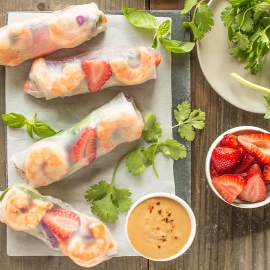 Simple and delicious - Shrimp Spring Rolls with Peanut Sauce | healthynibblesandbits
