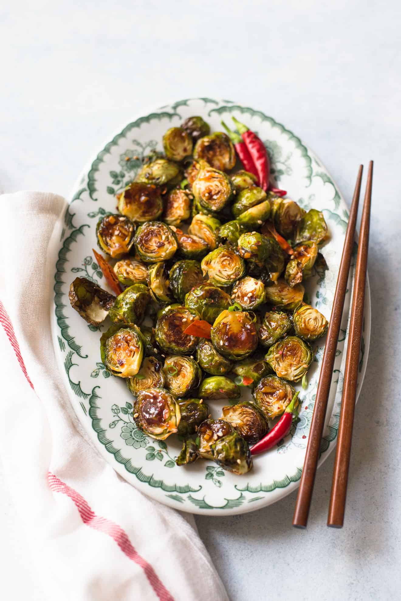 General Tso's Brussels Sprouts - easy, healthy side dish #vegetarian #healthyrecipe