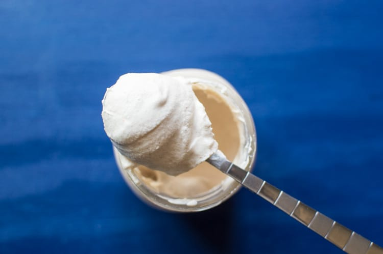Cayenne and Cinnamon Whipped Cream in 5 minutes! | healthynibblesandbits.com