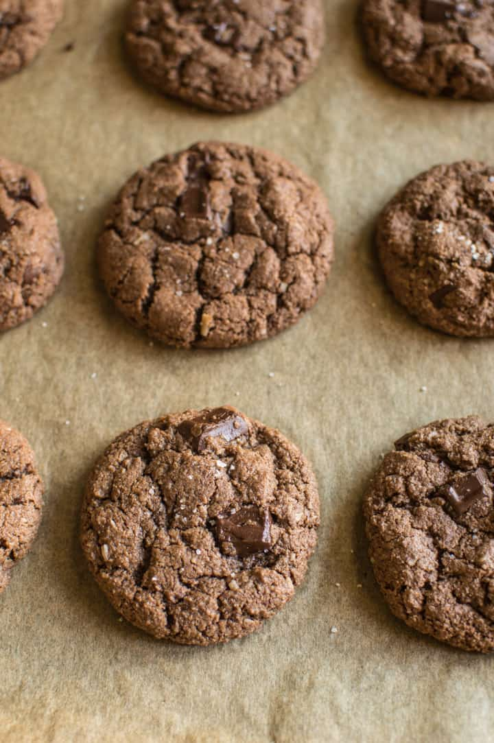 Double Chocolate Almond Cookies - they're crisp on the outside and soft like brownies on the inside! | healthynibblesandbits.com