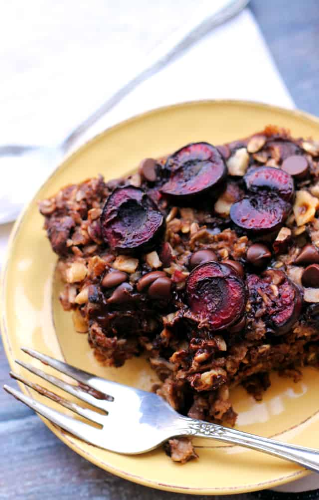 Chocolate Covered Cherry Baked Oatmeal | Eats Well with Others