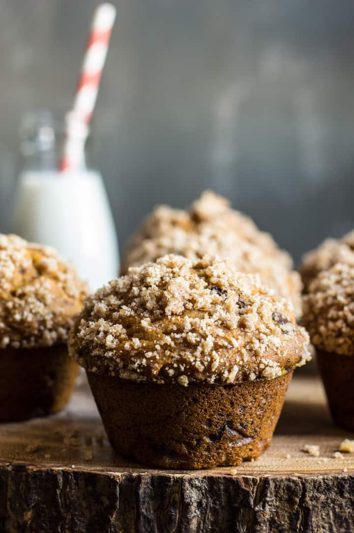 Gluten-Free Pumpkin Crumb Muffins with Chocolate - super moist muffins with a crunchy top crumble on top!