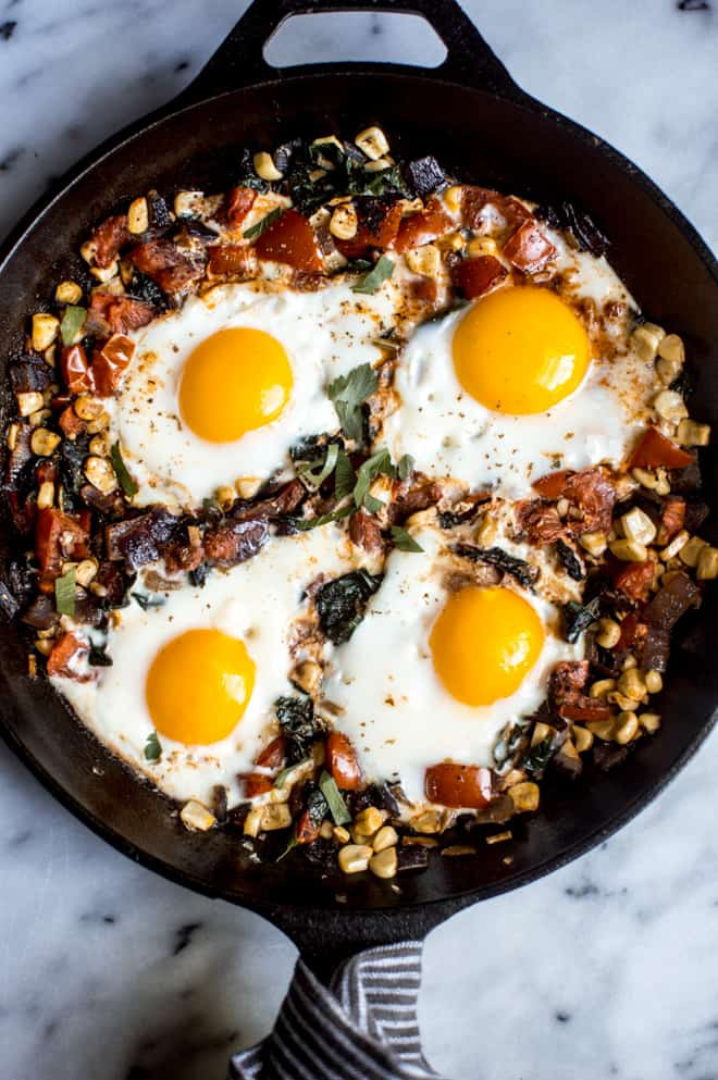 The Everything Fried Egg Breakfast - an easy and healthy weekend breakfast that is ready in 30 minutes! | healthynibblesandbits.com