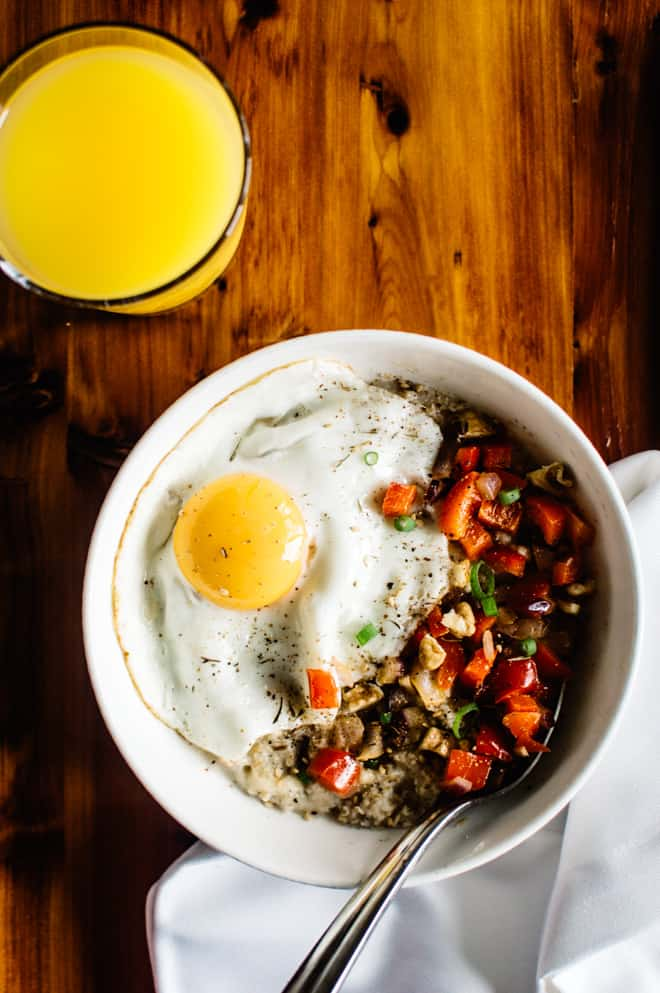 Savory Oatmeal with Cheddar and Fried Egg - perfect breakfast bowl ready in 10 minutes!