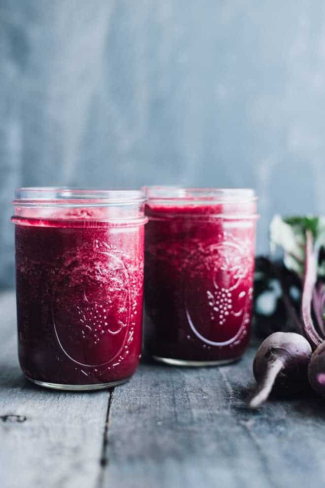 Simple Red Beet Smoothie - this simple detox smoothie is made with ingredients that you recognize!