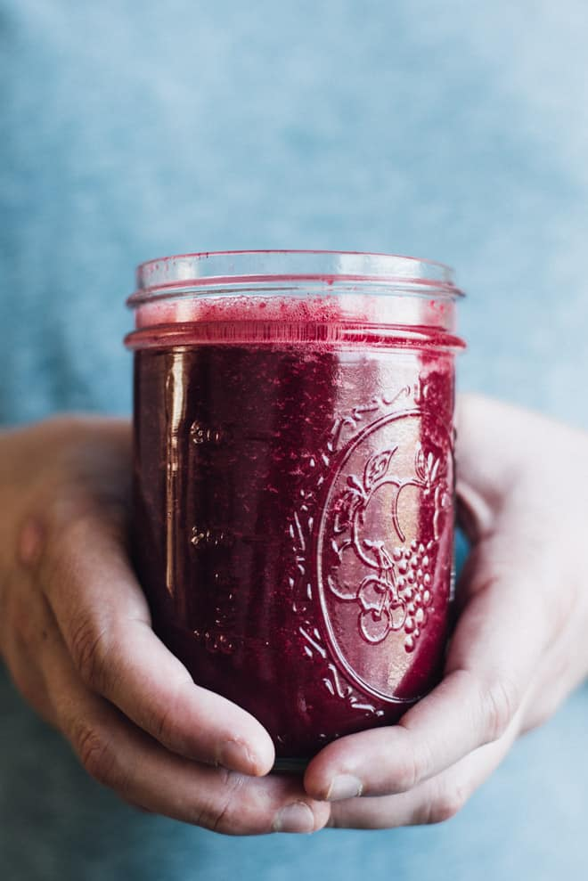 Simple Red Beet Power Smoothie - this simple detox smoothie is made with ingredients that you recognize!