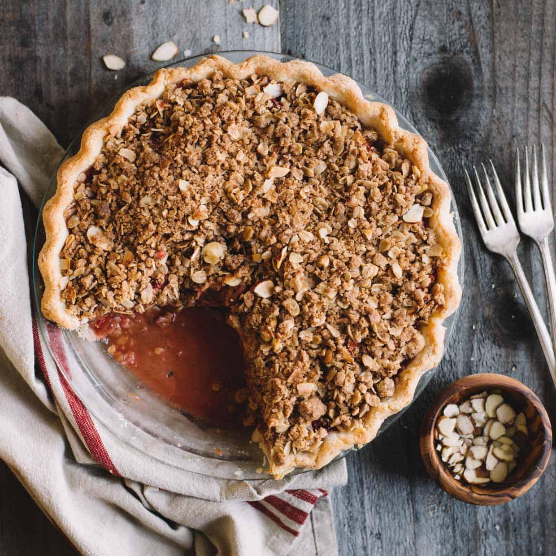 Strawberry Rhubarb Pie via @healthynibs