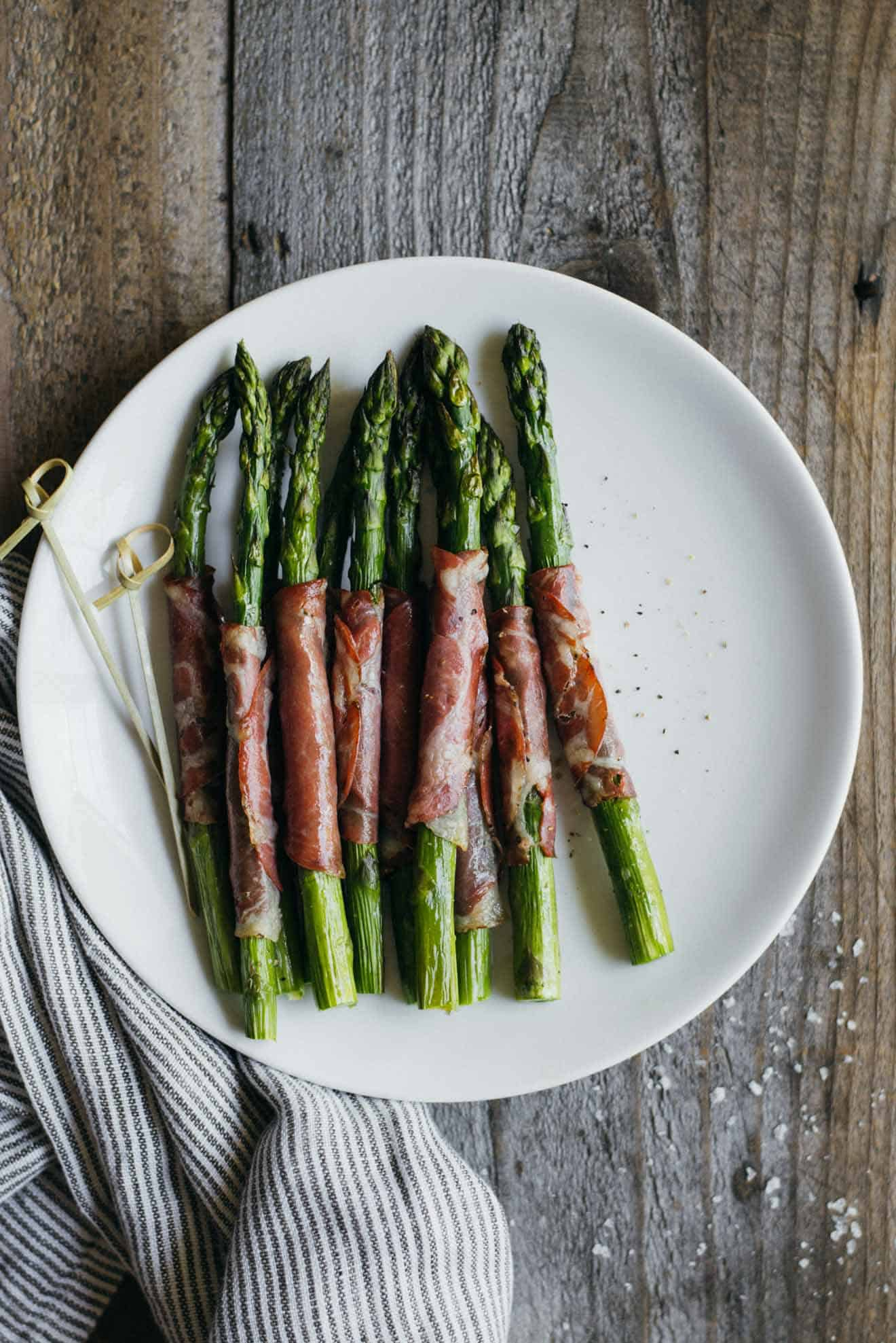 Dry Coppa Wrapped Asparagus - easy appetizer ready in 15 minutes and made with just 5 ingredients!