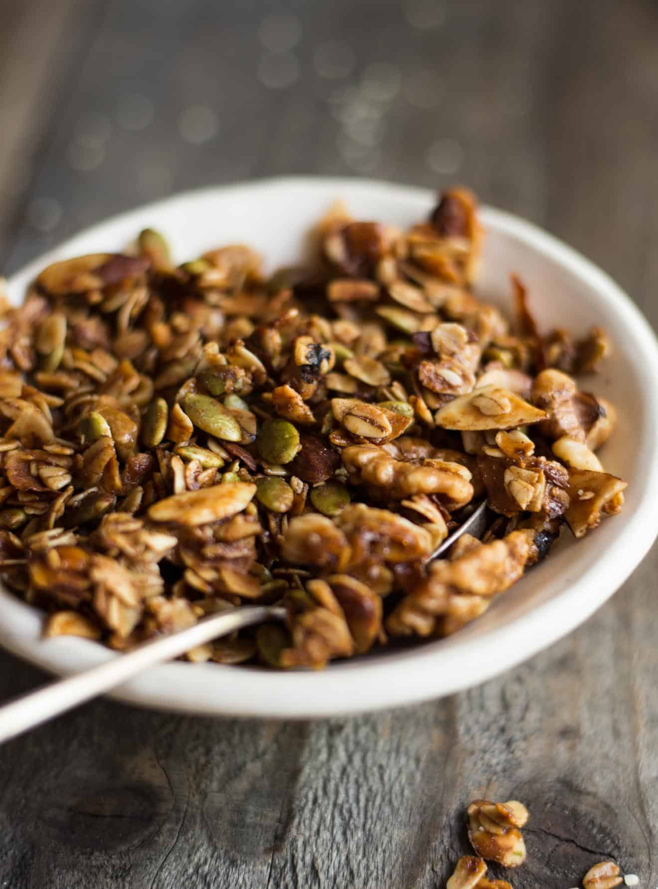 Easy Healthy Gluten-Free Granola Recipe with Oats and Honey - gluten free