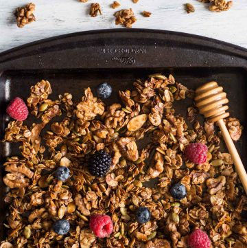 Easy Healthy Granola with Oats, Honey & Nuts