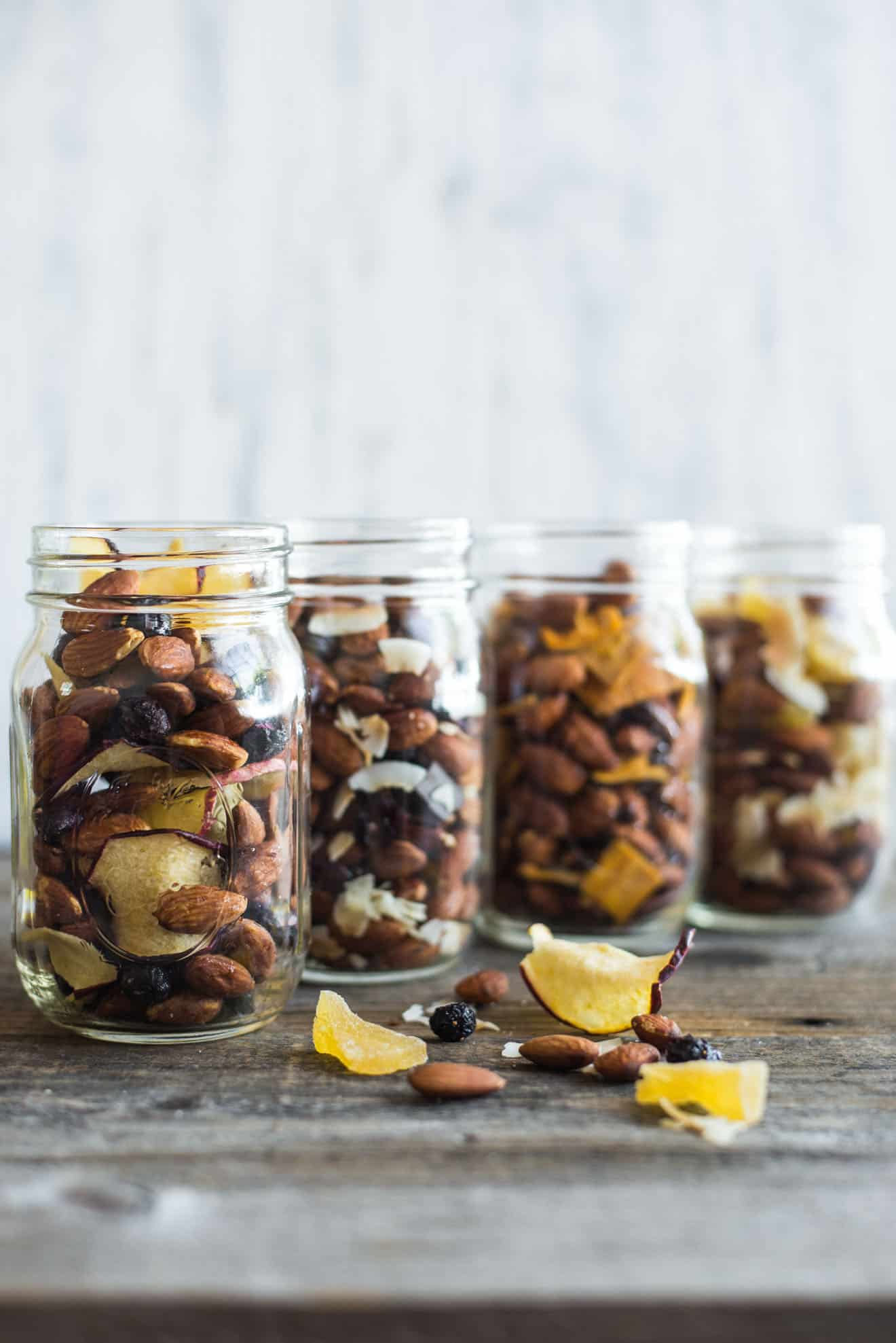 4 Easy Trail Mix Recipes with Almonds - here's 4 healthy snacks that you can make at home! They're gluten free and take only 15 minutes to prepare! by @healthynibs