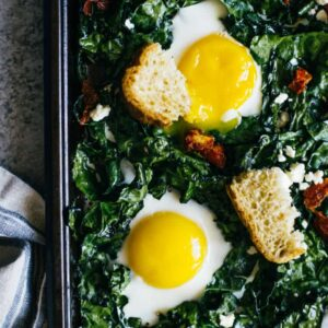 Kale & Egg Bake - a simple gluten-free breakfast ready in just 20 minutes! by @healthynibs