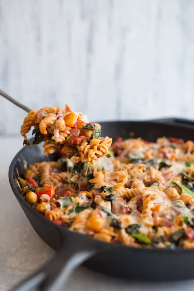 Chickpea Pasta with Smoked Mozzarella - this quick and easy vegetarian meal is perfect for weeknights. It's also gluten free! by @healthynibs