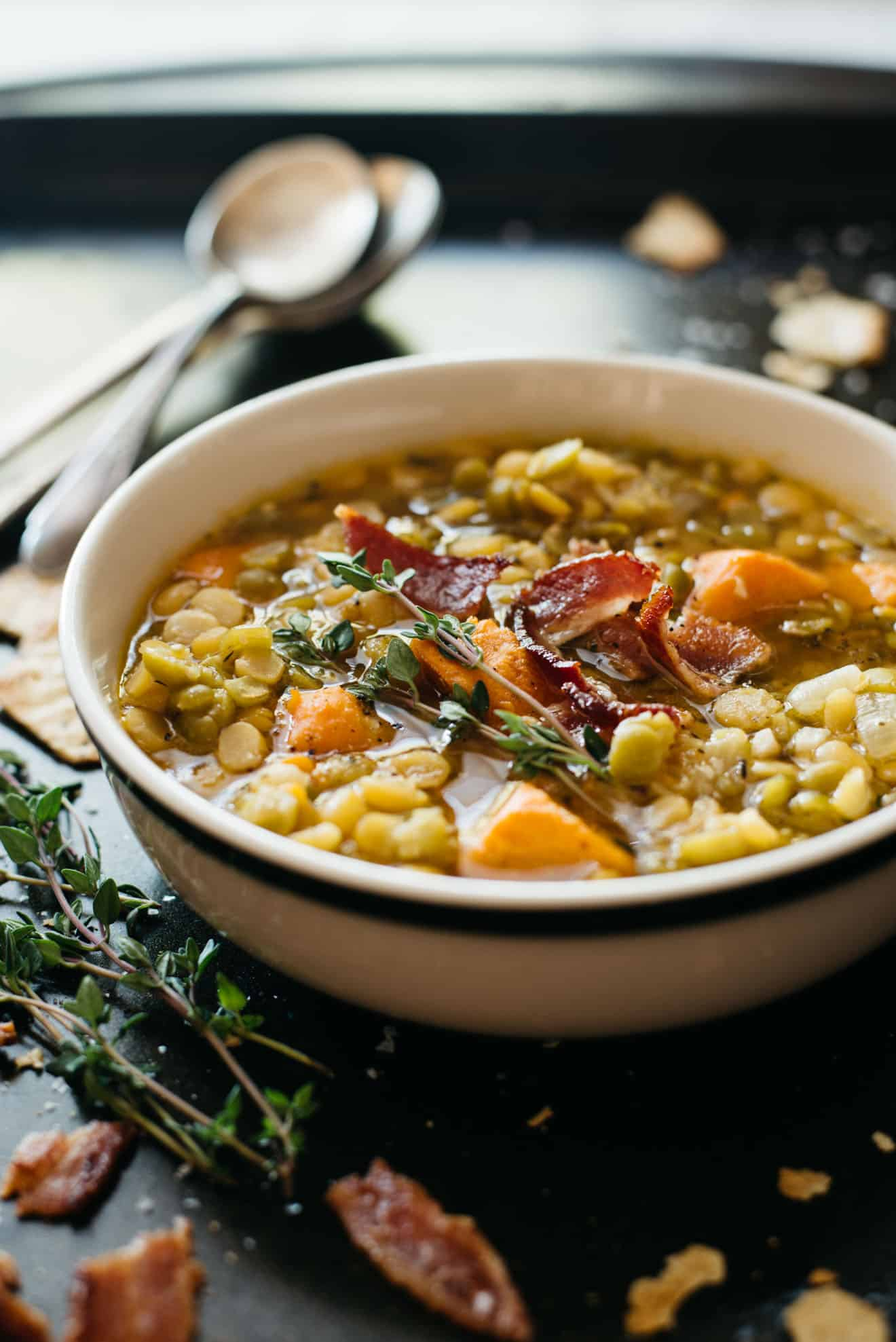 Split Pea Soup with Bacon - a budget-friendly and hearty soup that will keep you full! by @healthynibs