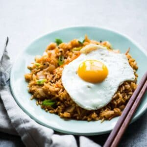 Kimchi Fried Rice - an easy, healthy dinner ready in just 20 minutes! by @healthynibs