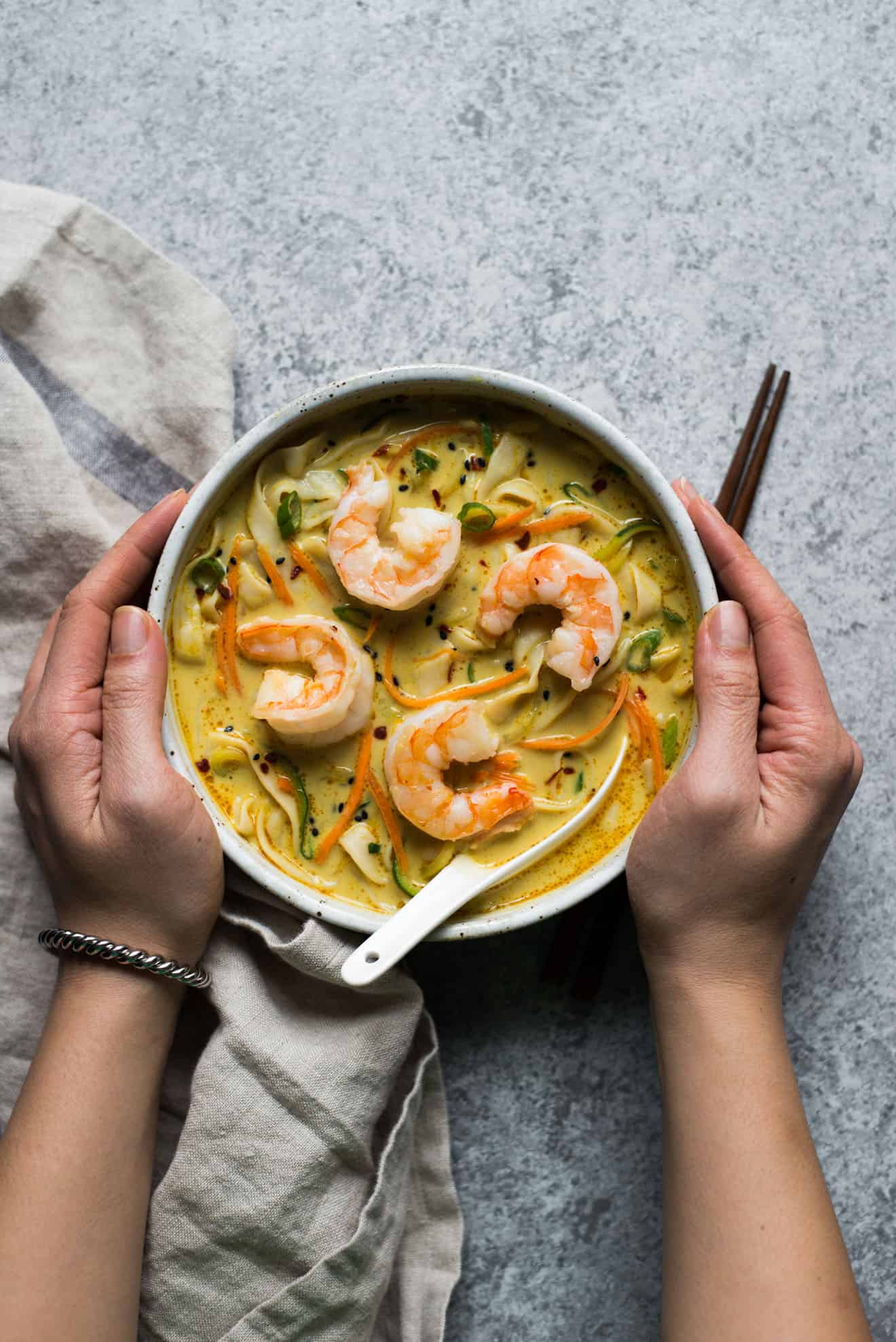 Yellow Curry Noodles with Tofu Shirataki - a low carb, healthy curry noodle soup that is great for weeknights!