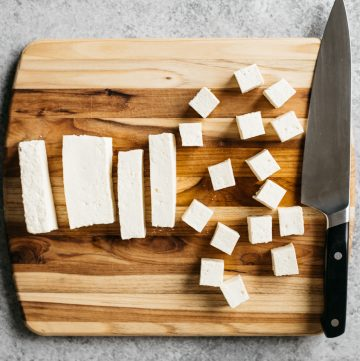 Quick Guide on How to Cook Tofu! Learn about the differences between soft and firm tofu and get some recipe inspiration!