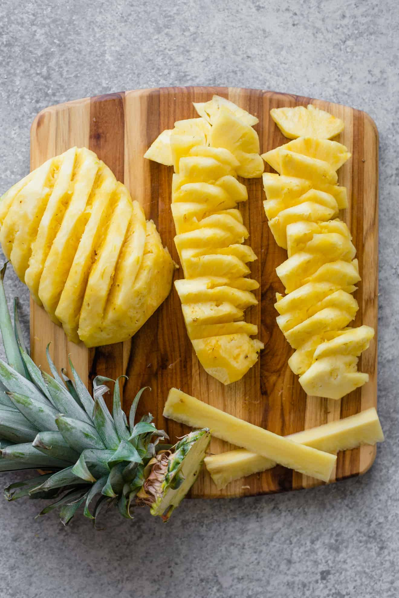 how to properly cut pineapple