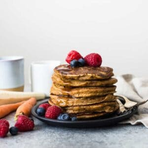 GLUTEN-FREE Oat Flour Pancakes with Carrots and Parsnips - sneak in more vegetables with these healthy breakfast pancakes!