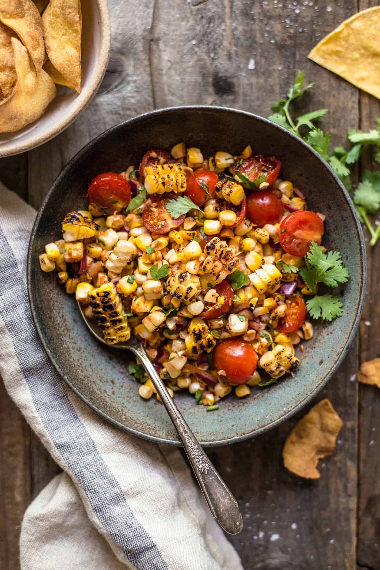 EASY Grilled Corn Salsa (without the BBQ Grill) - This simple grilled corn salsa is prepared with the corn grilled right on the stove! Great for parties and gatherings!