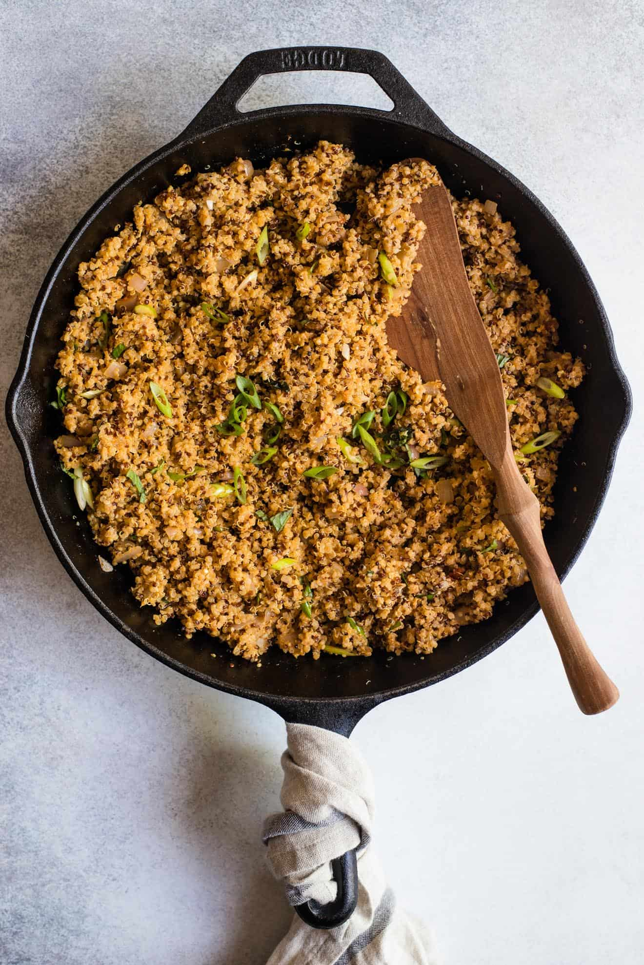Got leftover curry paste or coconut milk from another recipe? Use it to make this red curry quinoa! It's made with only 8 ingredients and ready in 20 minutes.