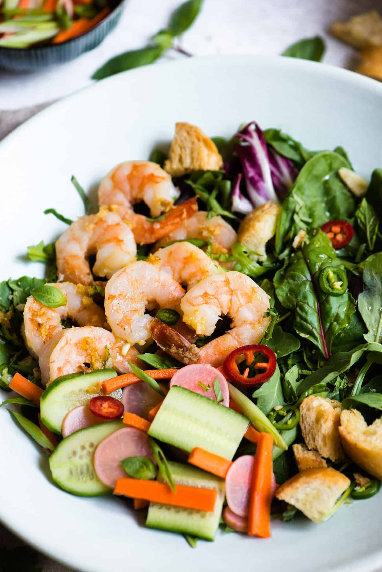 Banh Mi Salad with Lemongrass Shrimp & Shallot Vinaigrette: the perfect light, healthy lunch! #glutenfree #healthy