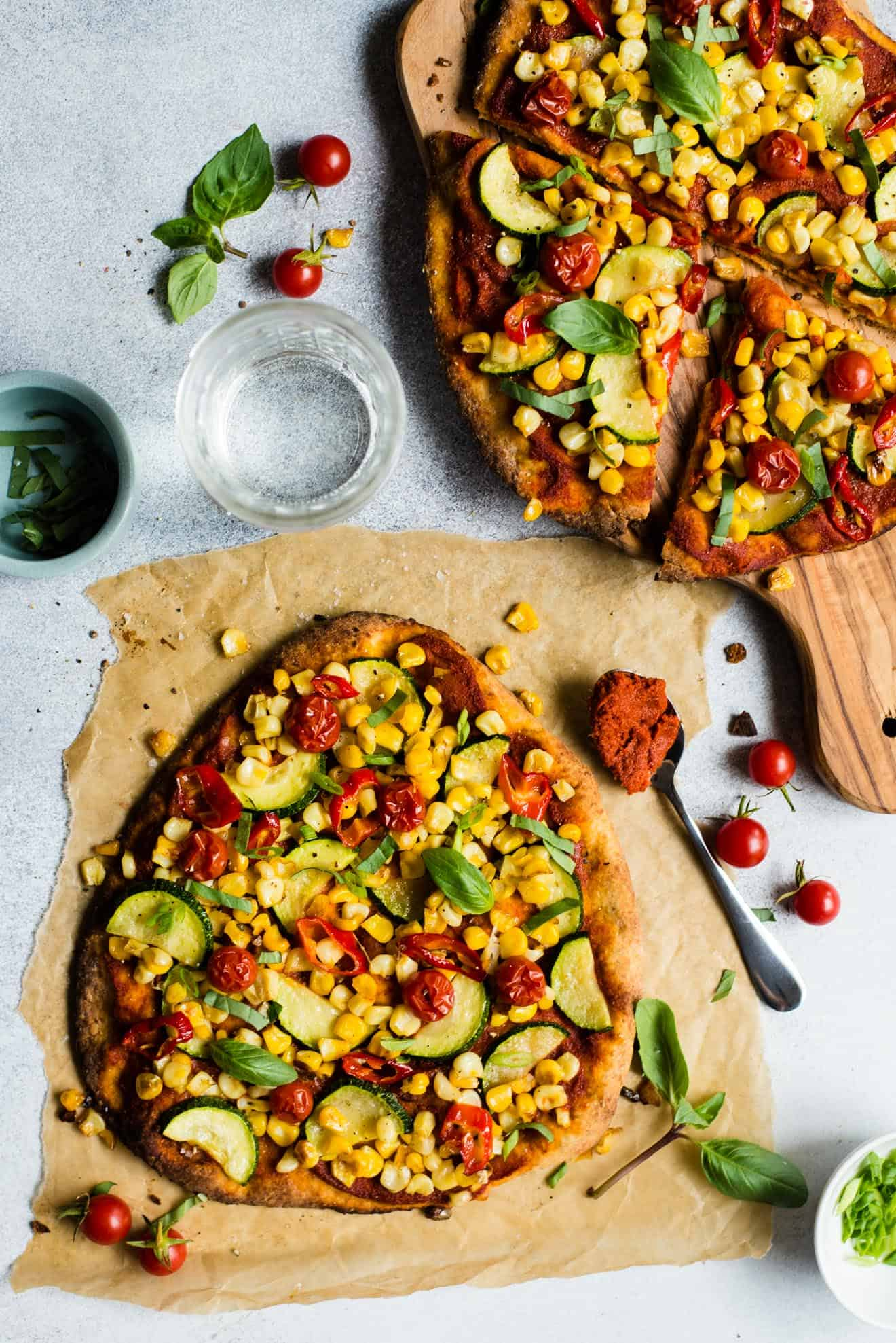 EASY Red Curry Pizza ready in just 30 minutes! #vegetarian