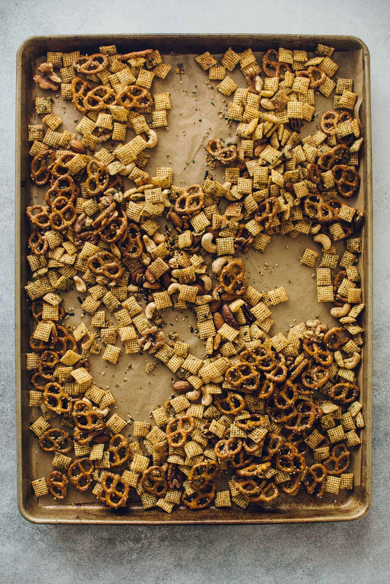 Furikake Chex Mix - this snack mix is SO addictive!! It's healthier than your typical recipe, too!