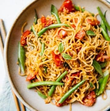 25-Minute Vegetable Chow Mein