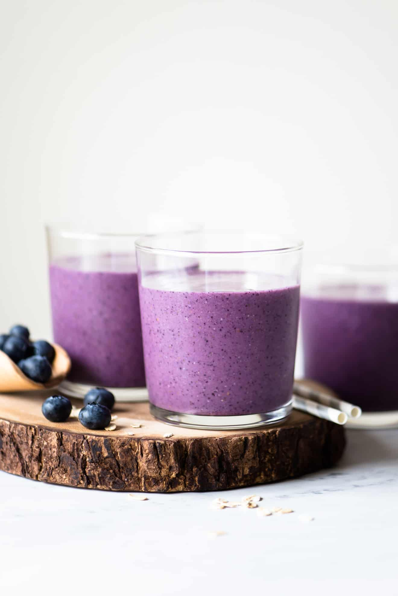 Easy Blueberry Smoothie - simple, satisfying smoothie made with just a few ingredients!