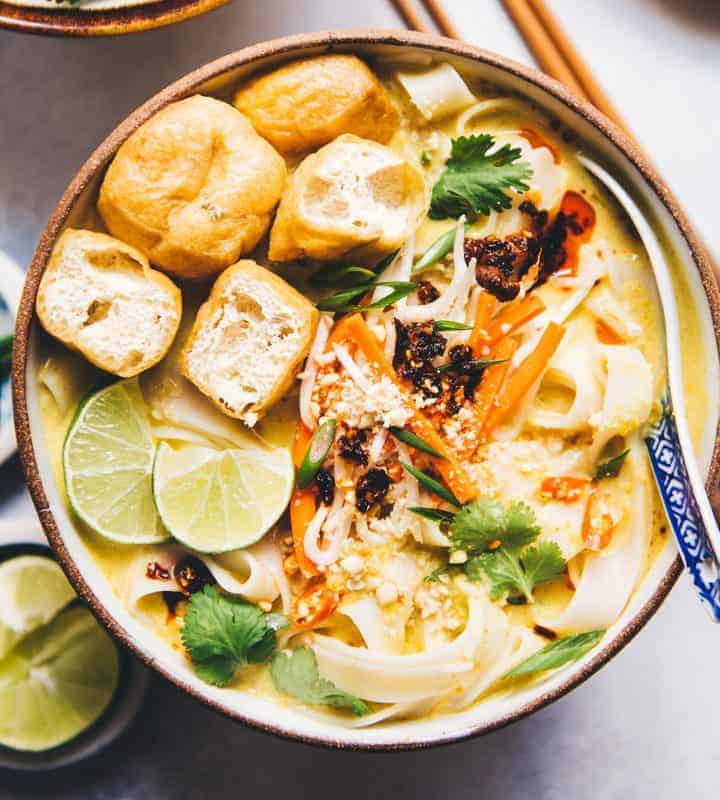 30-Minute Coconut Curry Noodles (a delicious, comforting bowl of noodles that is vegetarian and gluten free!