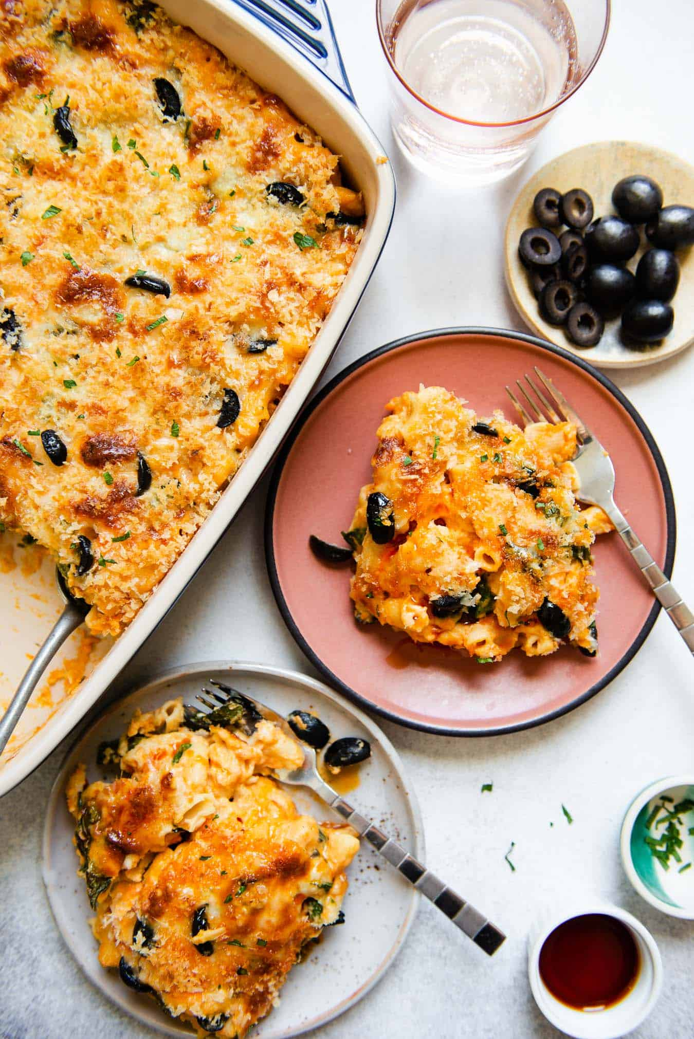 Sweet Potato Mac and Cheese - a simple vegetarian dish for all your parties!