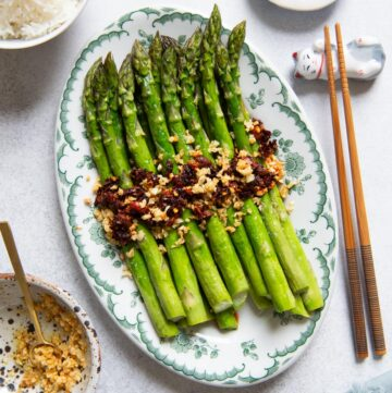 Chili Garlic Roasted Asparagus on a platter