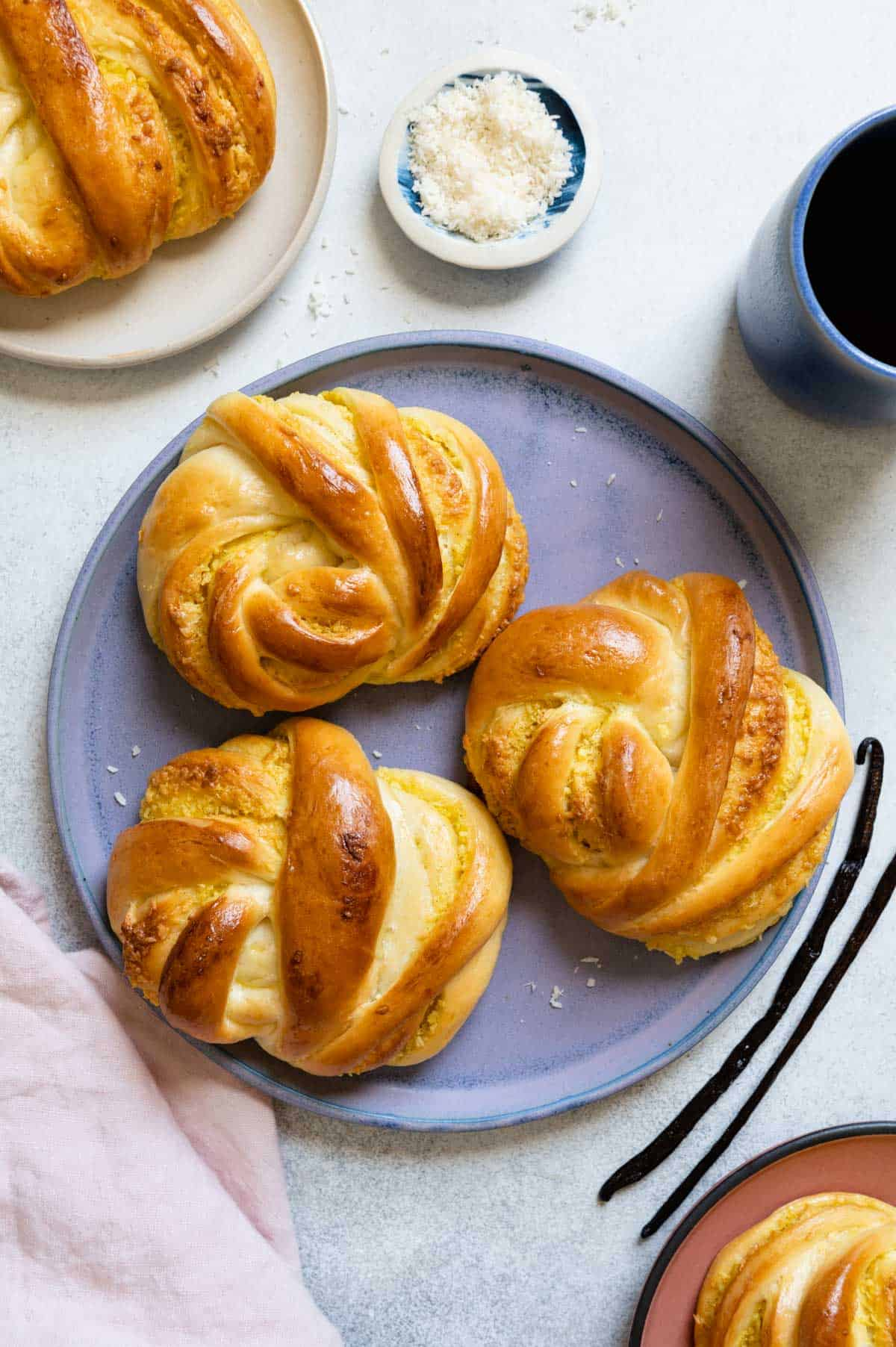 Chinese bakery-inspired coconut buns
